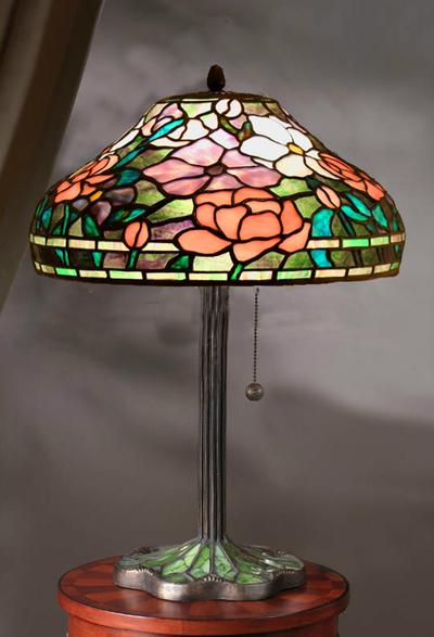 Tiffanylampa Bordslampa Peony Ø 31cm
