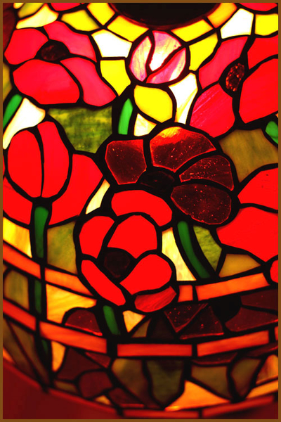 Tiffanylampa Taklampa Poppy Ø 41cm